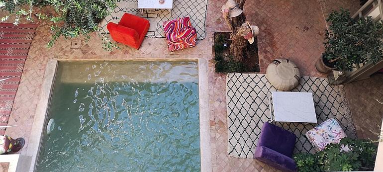 comment passer un bon anniversaire dans un riad marrakech. Black Bedroom Furniture Sets. Home Design Ideas